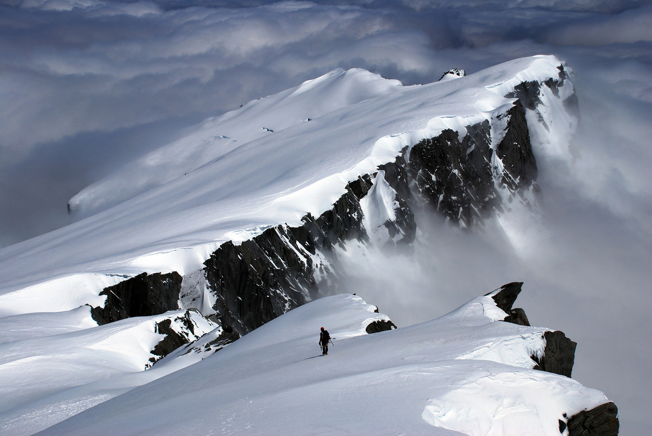 Descending Mt Hooker's NW ridge. Mt Jack behind