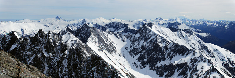 Panorama from the summit of Mt Huxley: from left to right, Mt McCullaugh, Mt Hooker, Mt Dechen, Mt Strachan, Fettes Peak, Mt Ward. Mt Cook is in cloud.