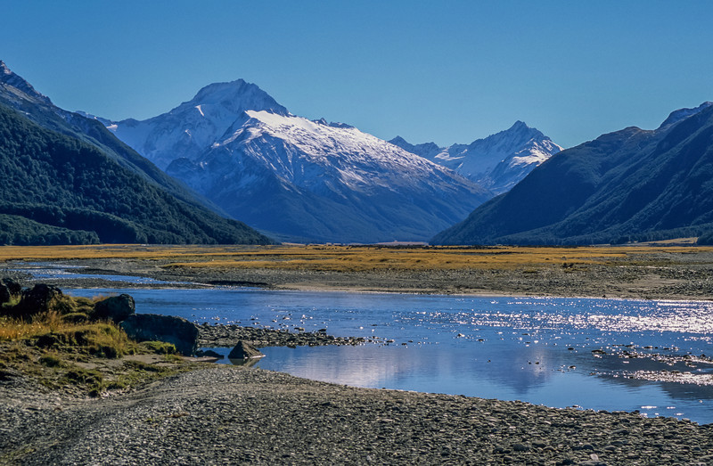 Mount Ward and Mount Williams, Hopkins River