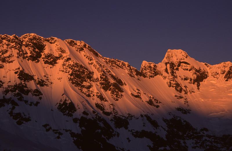 Sunrise on Eagle Peak and Mt Thomson