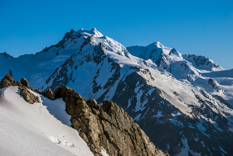 The Minarets and Mount Élie de Beaumont from the top of Haast Ridge