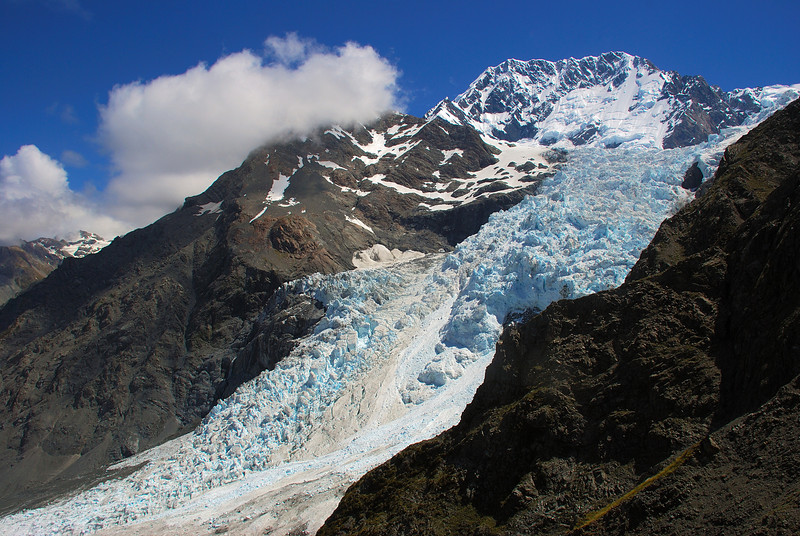 Aoraki / Mount Cook and the Hochstetter Glacier icefall from Haast Ridge