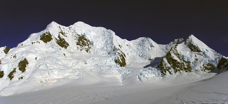 Grand Plateau panorama: Silberhorn, Mount Tasman, Engineer Col, Lendenfeld Peak, marcel Col, Mount Haast, Mount Dixon