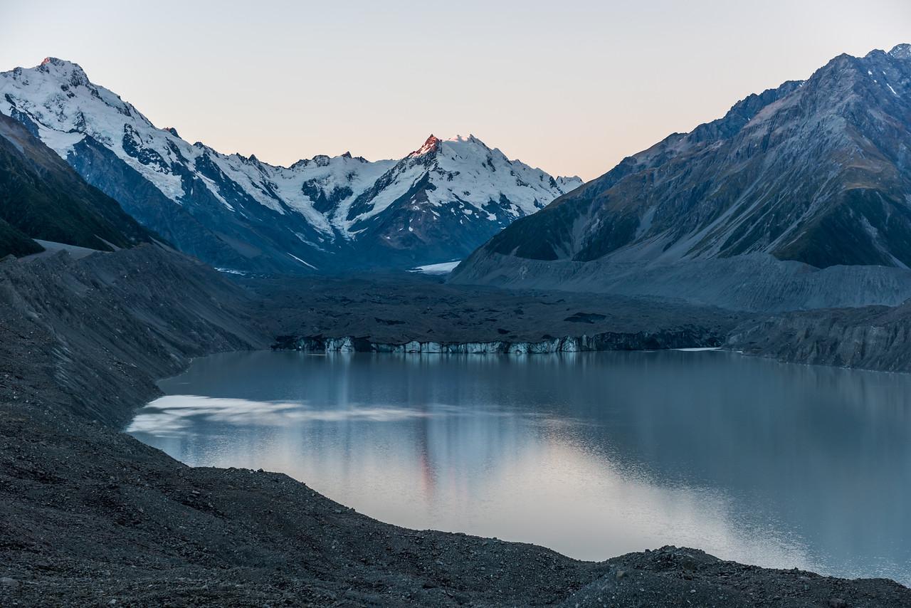 Tasman Glacier and Lake. Mount Haidinger is on the far left. De La Beche and the Minarets are at centre image.