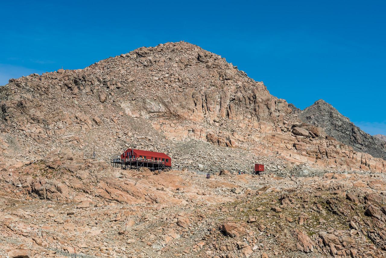 Mueller Hut and Mount Ollivier