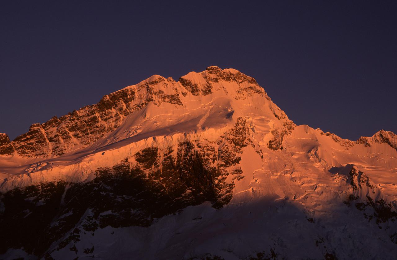 Mount Sefton at sunrise, Mueller Hut