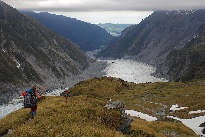 Descending to Chancellor Hut