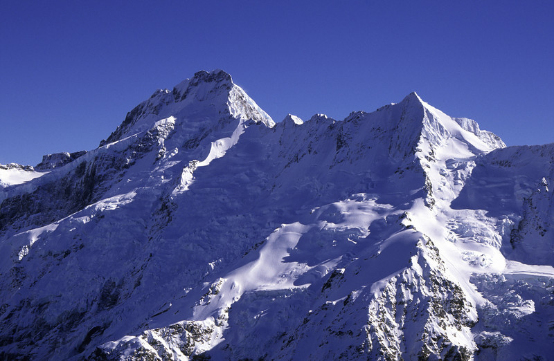 Mt Sefton and The Footstool from the summit of Mt Wakefield
