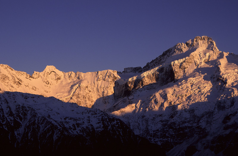 Sunrise on Mt Thomson and Mt Sefton