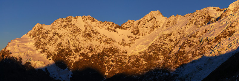 Sunrise on Eagle Peak and Mount Thomson