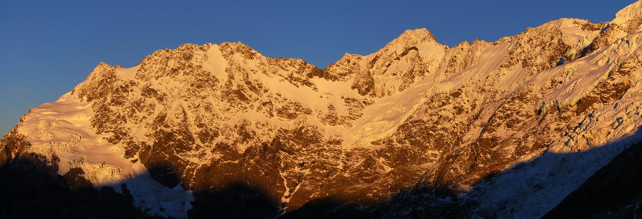 Sunrise on Eagle Peak and Mount Thomson