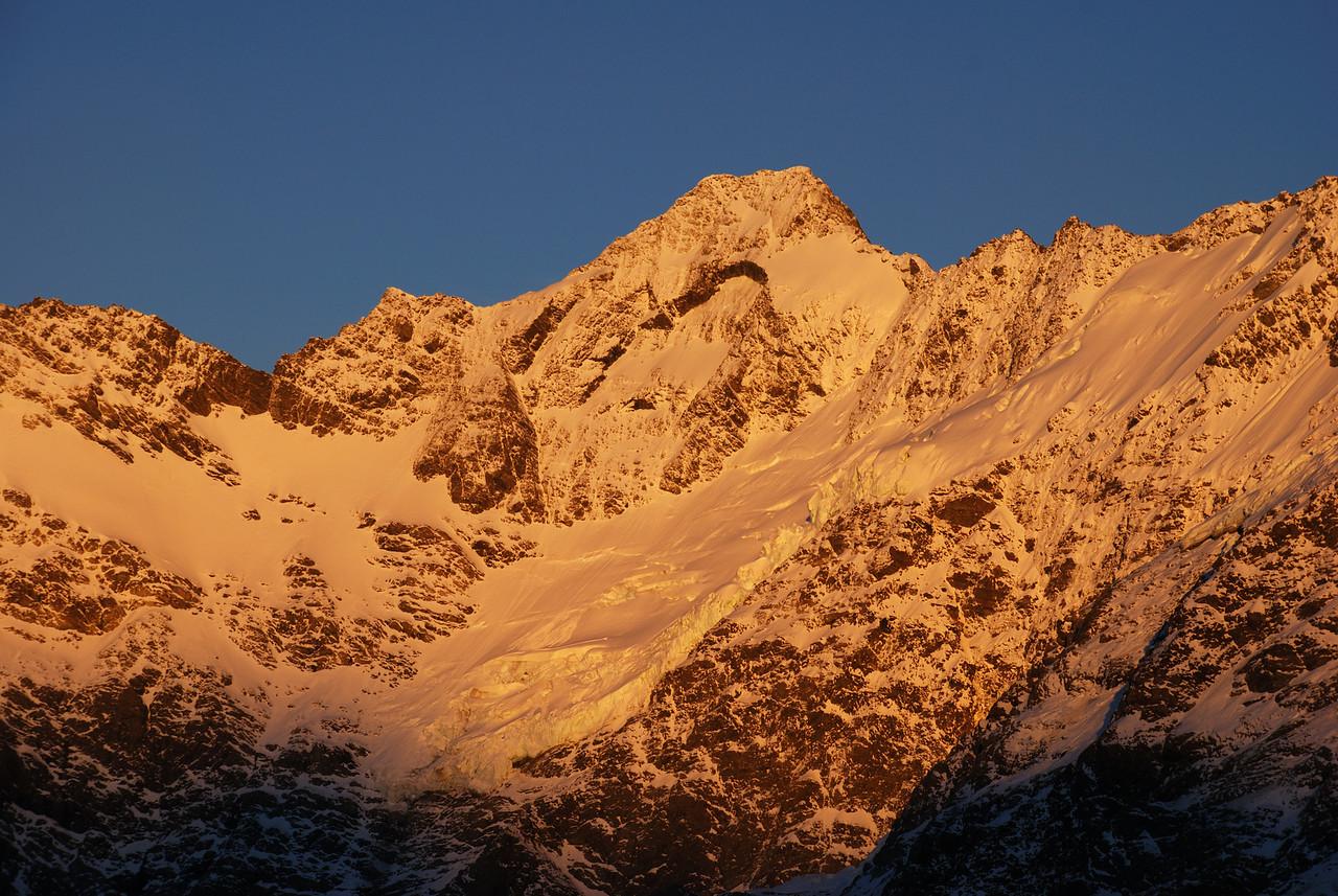 Sunrise on Mount Thomson