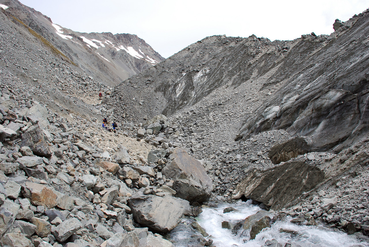Descending Separation Stream. The river disappears under the Separation Glacier where the latter flows across the valley floor