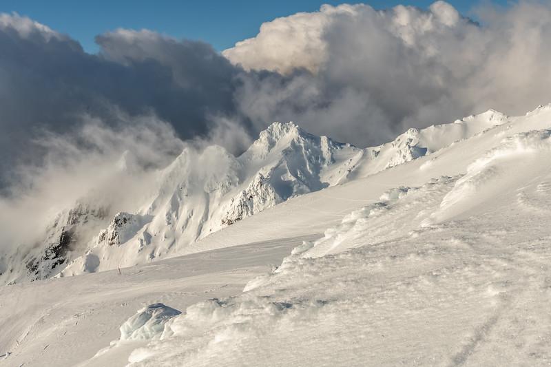 View of Pinnacle Ridge from 'Restful Ridge', Mount Ruapehu.