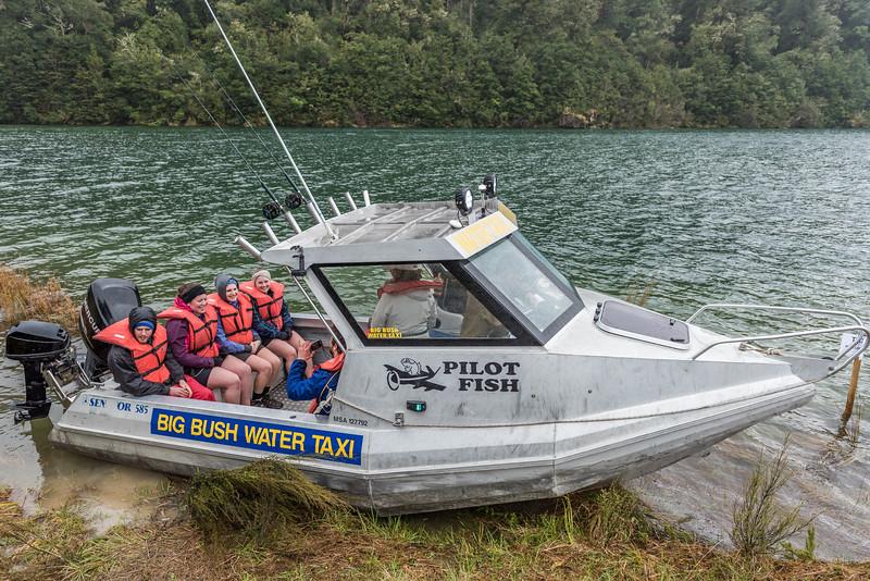 Water taxi, Whanganui Hut