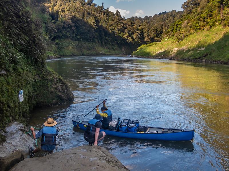Packrafting the Whanganui River. Mangapurua Landing.