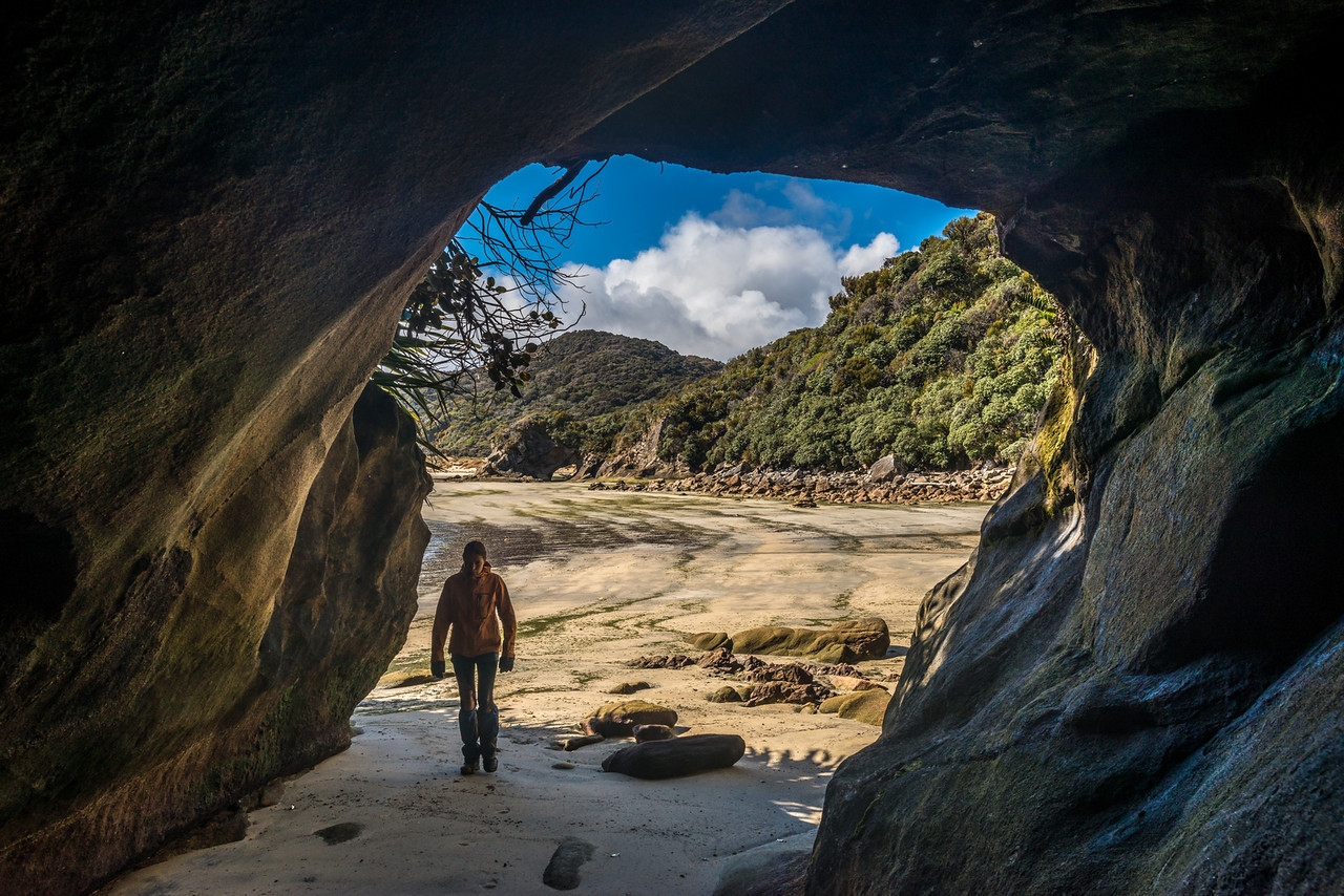 Sea cave at Doughboy Bay