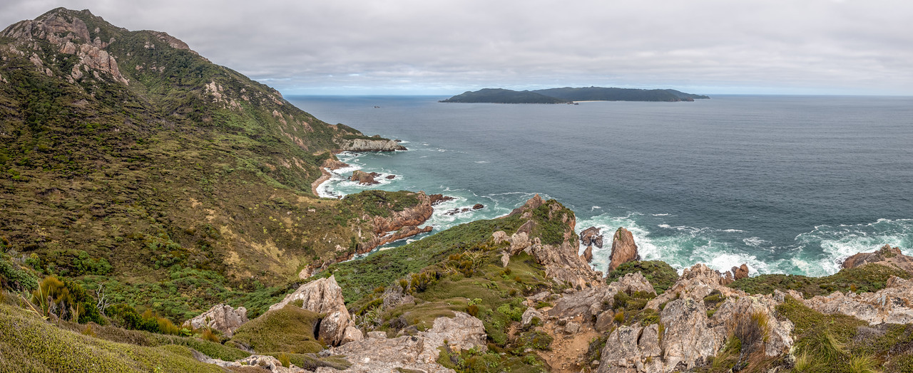 View south from North Red Head: Red Head Peak and Codfish Island / Whenuahou
