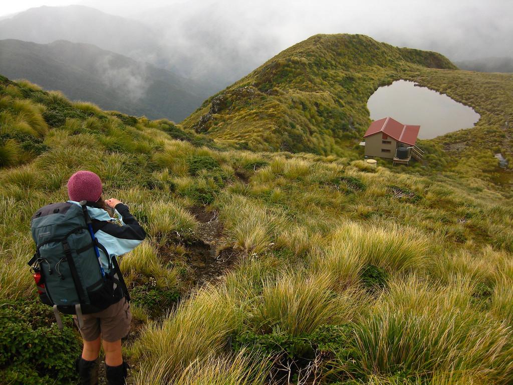 Maungahuka Hut, Tararua main range