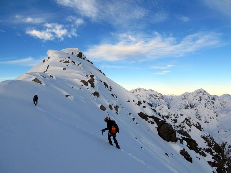 Plain sailing towards the summit.