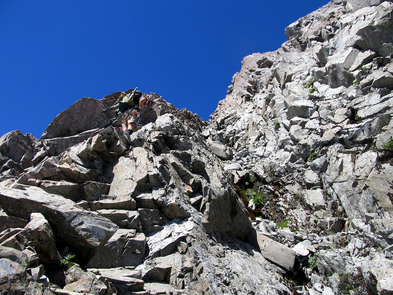 Some more good rock 200m below the summit.