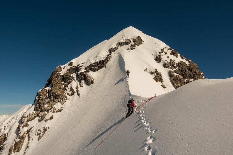 Starting up the SE ridge.