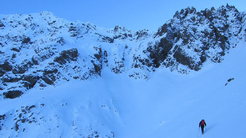 Approaching the South Face of Phipps Peak.