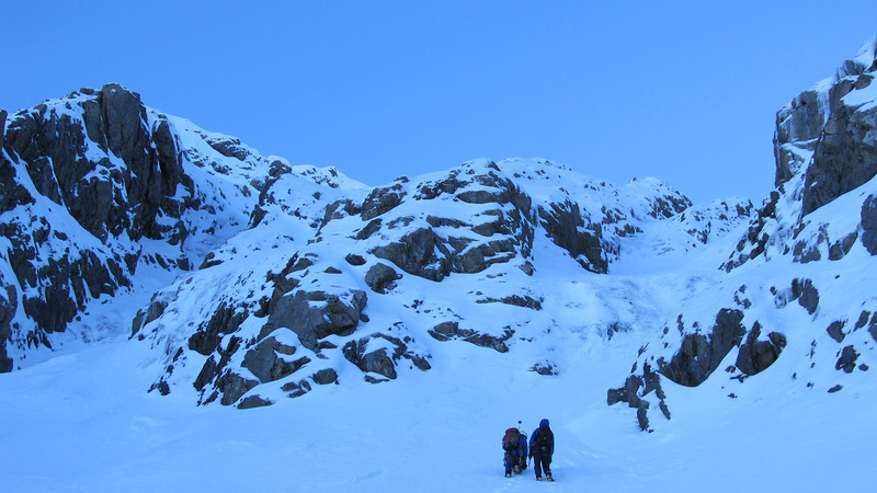Approaching the couloir.