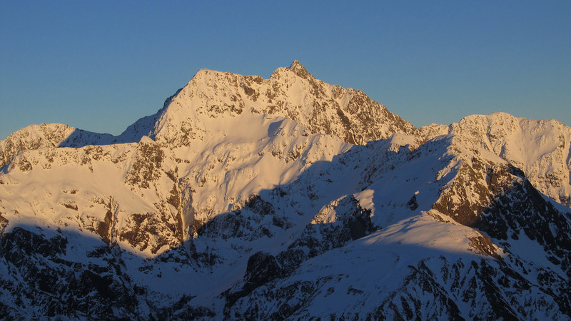 Mt Rolleston at sunrise from Temple Basin.