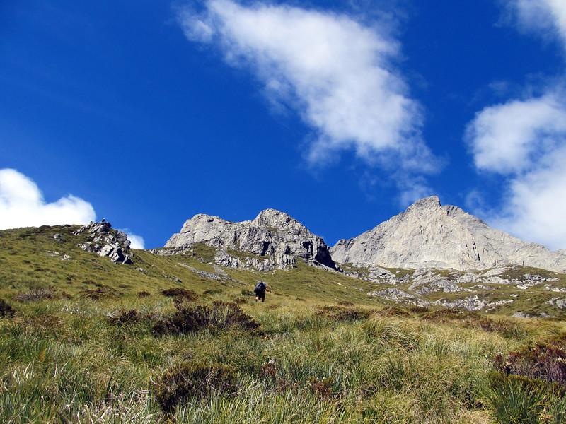 Climbing to our campsite below Dasler Pinnacles.