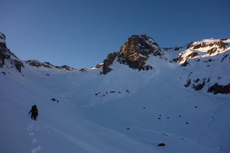Getting closer to Glenisla - hard yakka in the soft snow (photo - James Thornton).