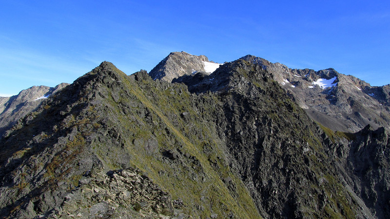 The ridge to Rabbiters Peak (a long way...)