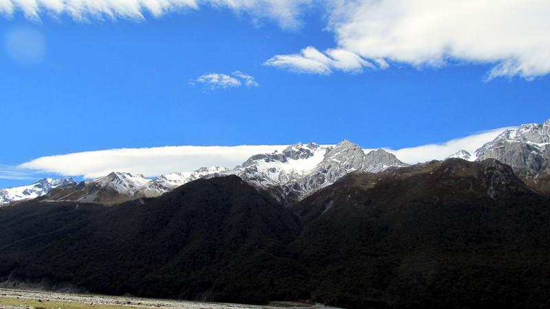 Mt Glenisla and lenticular cloud