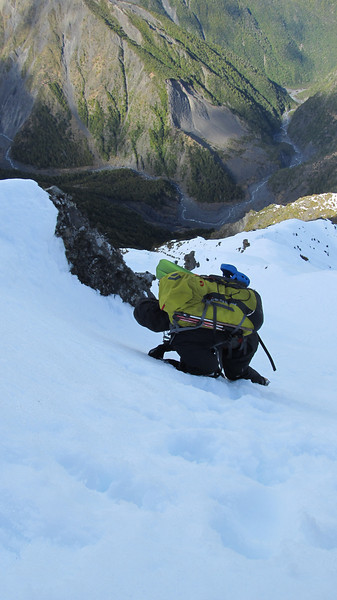 Descending Surveyor Spur, Hapuku below.