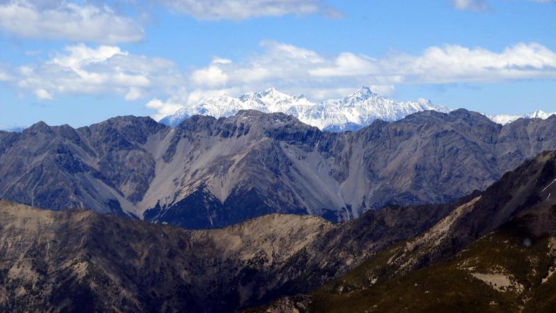 Tapuae--o-Uenuku and Mt Alarm.