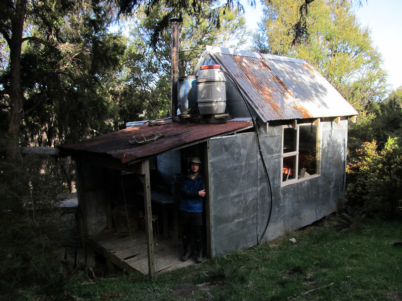The farmer's hut on Totaranui Spur.