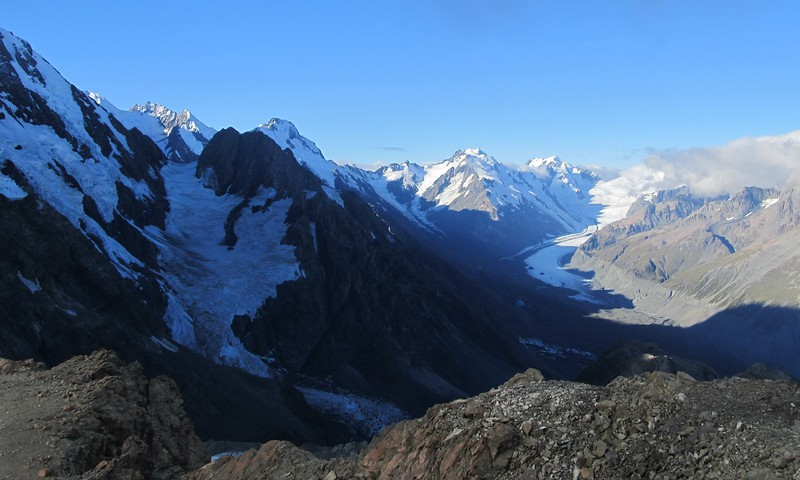 View from Kaitiaki Peak from left to right Cinerama Col and Lendenfeld Peak, Haidinger, Minarets and De La Beche, Ellie de Beaumont, Hochstetter Dome (in cloud).