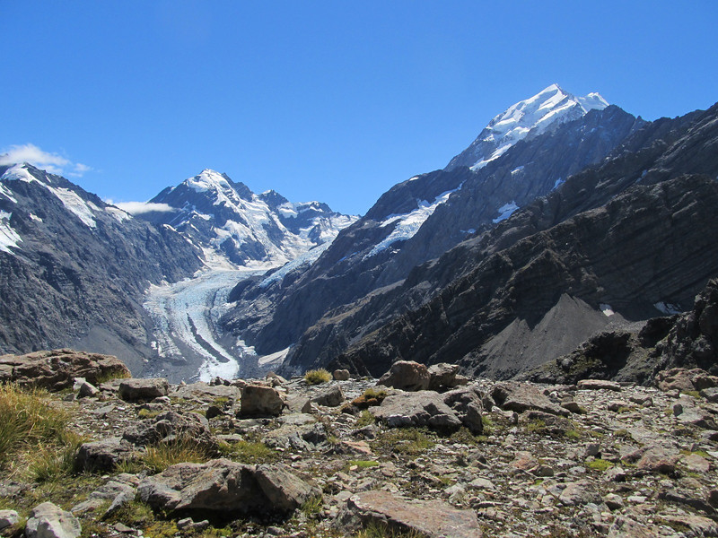 Hooker Valley with La Perouse and Baker Saddle on the left, Mt Cook on the right.