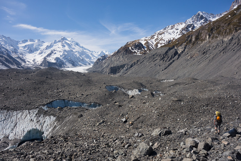 Almost at the white ice. Minarets left of the centre, Graham Saddle and Rudolph Glacier on the far left.