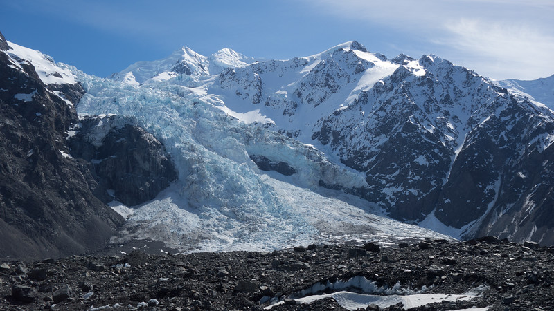 Hochstetter Icefall with Silberhorn and Tasman above, Haast Ridge on the right.