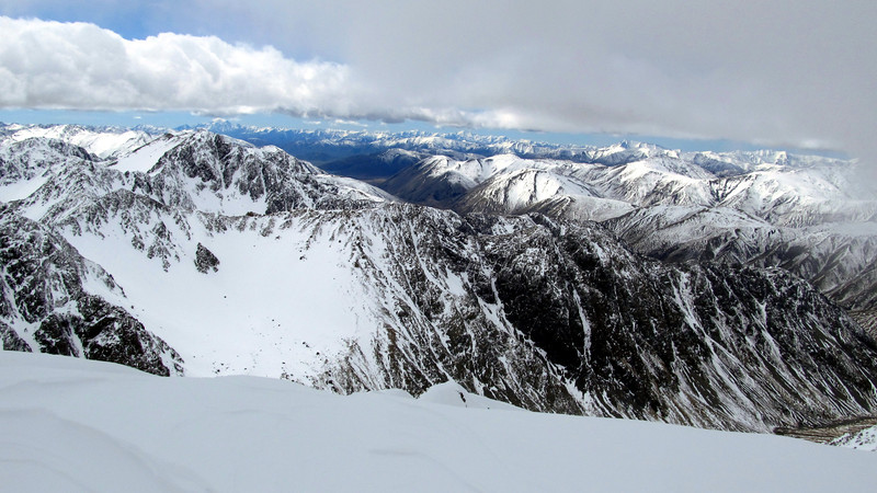 Views from the summit of Mt Dora, Alarm and Tapuae-o-Uenuku in the distance left of the centre.