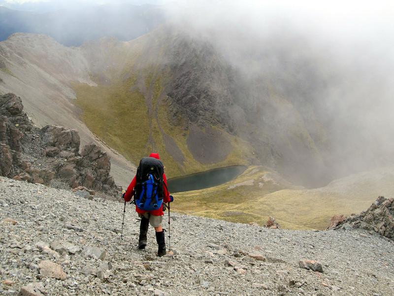 Descending to Gabriel Tarn.
