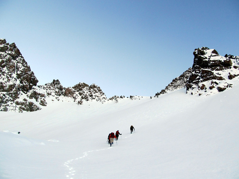 The team heading for Hakatere Peak (coming into view now on the right).