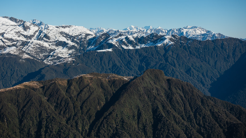 Views from below Mt Allen toward the Scamper Torrent Basin on the left. Cook, Elie de Beaumont, Tasman and Adams in the distance on the right.