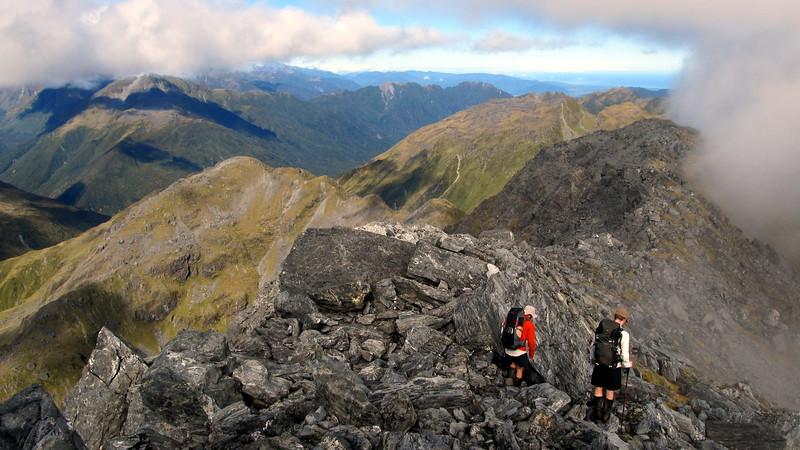 Descending the west ridge of Tara Tama.