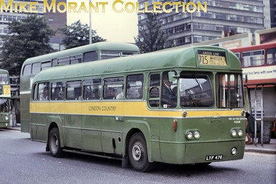 London Country RF 125  - LYF 476 -  on Greenline route 725 for Windsor photographed at West Croydon bus station on 13/6/77. RF 125 was, of Cours, allocated to WR Windsor garage when this shot was taken but would be withdrawn from service in May 1978. [Mike Morant collection]