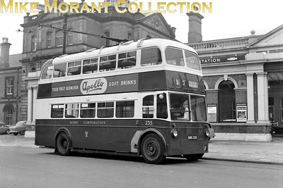Derby Corporation trolleybus Fleet no.: 235 Registration: DRC 235 Chassis: Sunbeam F4 Body: Willowbrook Entered service: 3/53 Withdrawn: 1967 Midland station, 25/9/66. [Mike Morant collection]