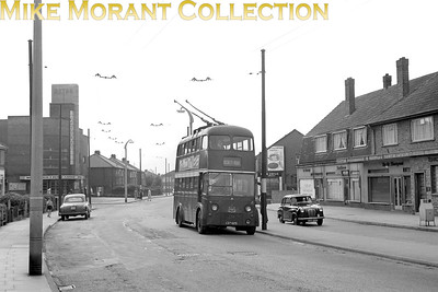 Doncaster Corporation trolleybus Fleet no.: 374 Registration: CDT 626 Chassis: Karrier Body: Park Royal Entered service: 1945 Withdrawn: 1964 Location: Beckett Road, Wheatley [Mike Morant collection]