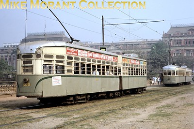 Calcutta, as it was back then, tramcar no. 400 taken on 14/2/68. [Mike Morant collection]