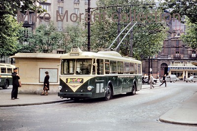 French trolleybus. Vintage Pariasian (RATP) trolleybus no. 8133 on route 164  This colour slide has no information with it. More info such as location and route would be appreciated. [Mike Morant collection]